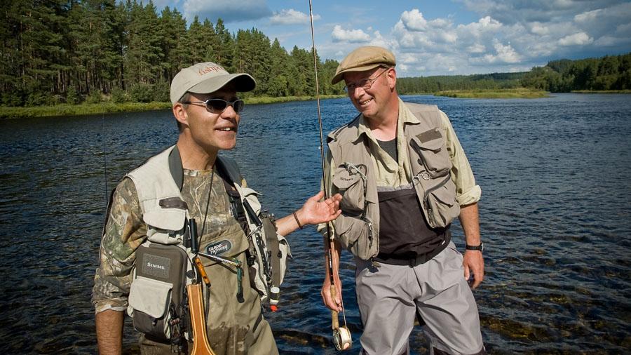 Matt Hayes and Hein van Aar fly fishing river Glomma at Kvennan Fly Fishing