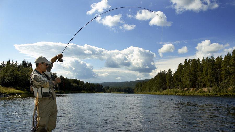 Matt Hayes fly fishing river Glomma at Kvennan Fly Fishing